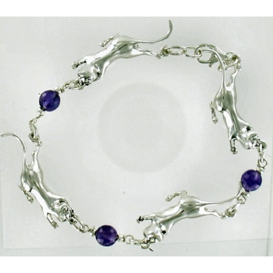 Armband van 4 zilveren katten met 3 amathisten