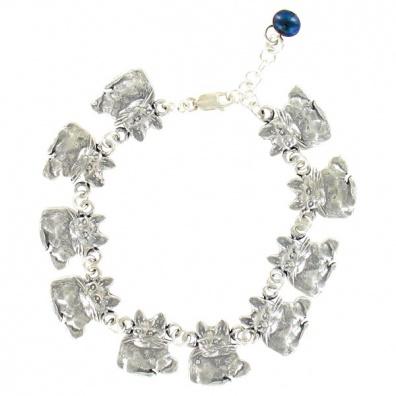 Zilveren armband met 10 katten en een parel