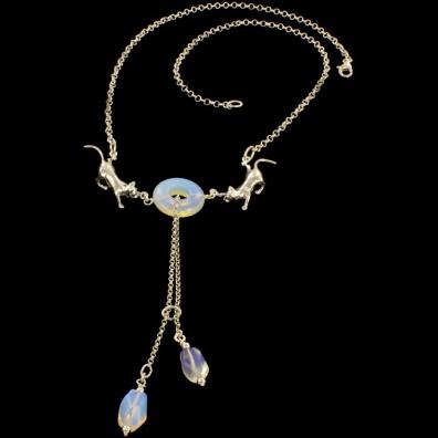 Origineel collier van Opalieten