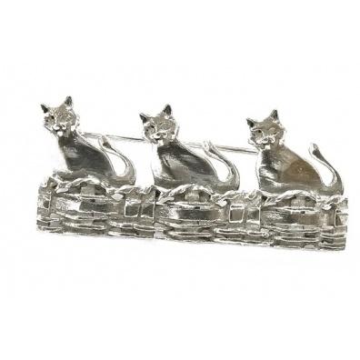 Drie katten in een mand